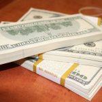 El dólar blue cerró la semana con un alza de dos pesos y se terminó vendiendo a $153